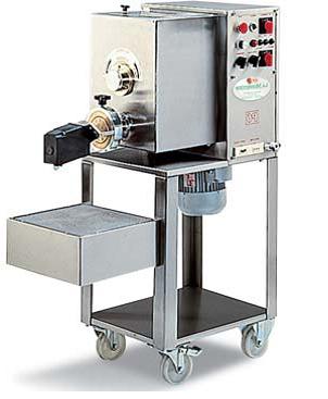 Автоматические макаронные пресса 6 – 36 кг/час,  макаронный пресс